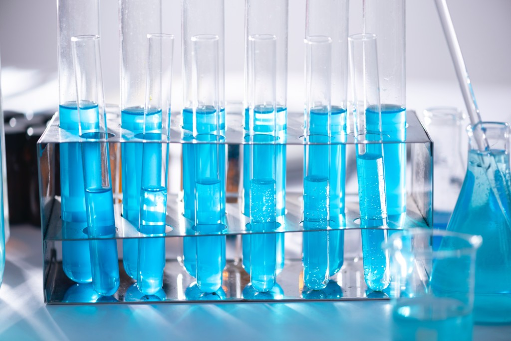blue-liquid-in-test-tubes